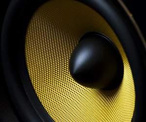 Speaker by Mighty Deals