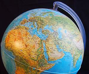 Globe by Ryman